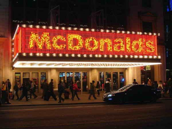 McDonalds на Таймс Сквер, Нью-Йорк.