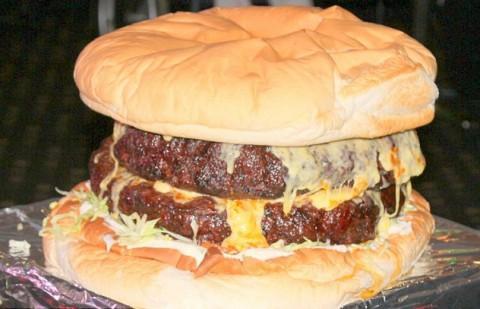 гамбургер весом около 19 кг, отель «Bond Hotel», Марк Мейер
